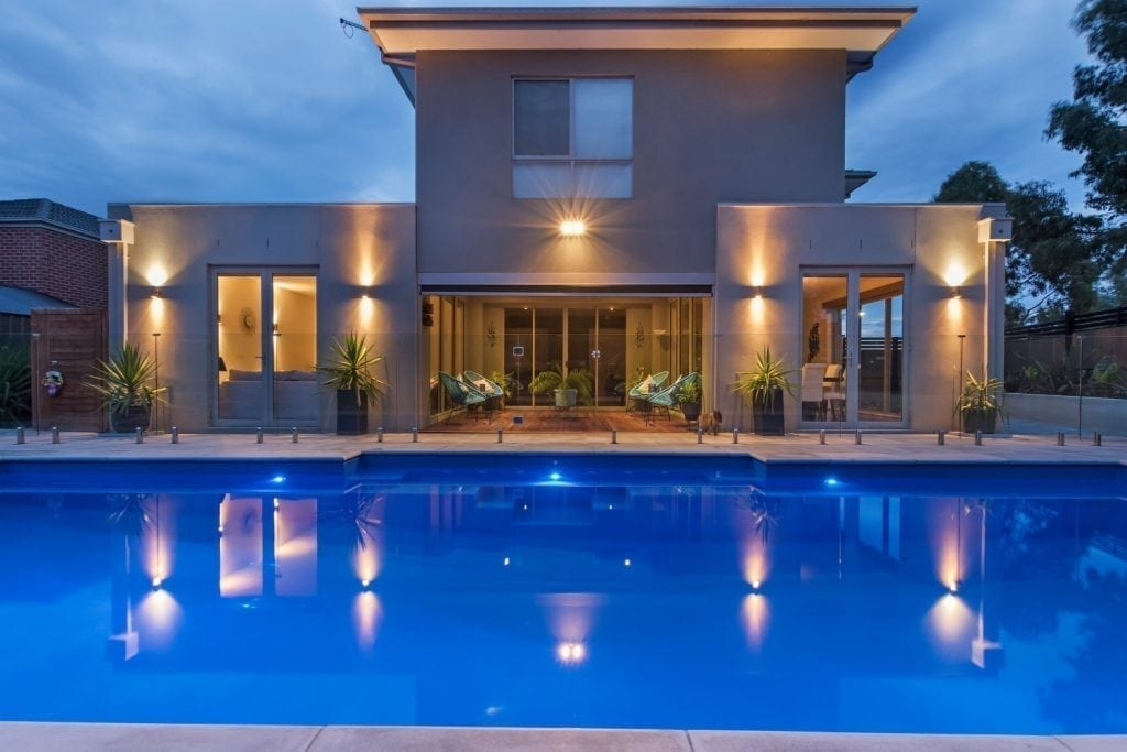 DIY POOLS Melbourne - Pool Safety Barriers Glass - Fence 1