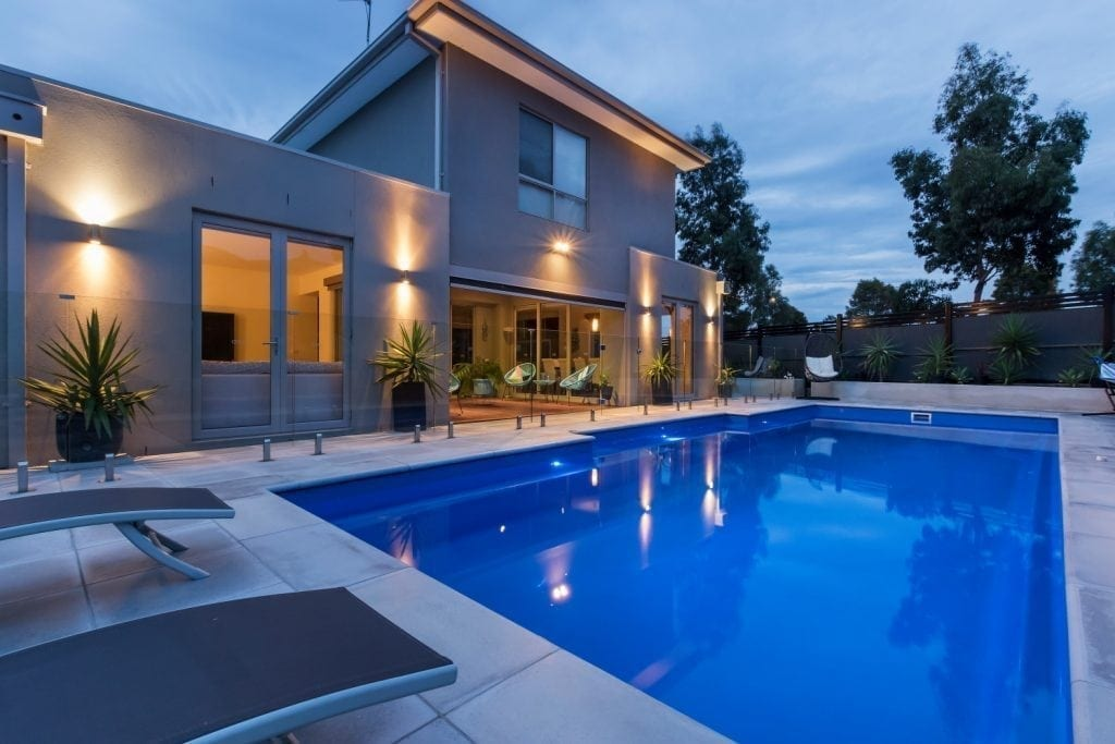 DIY POOLS Melbourne - Pool Safety Barriers Glass - Fence 2